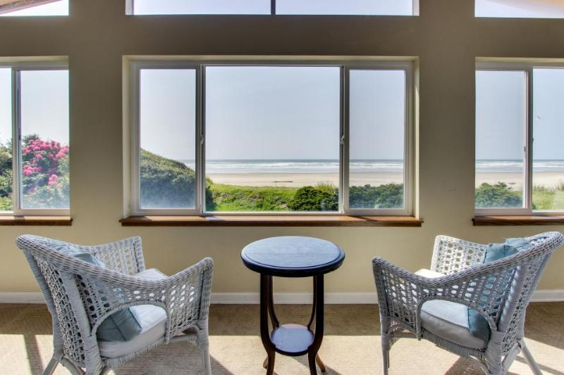 Stunning oceanfront home with chef's kitchen - Image 1 - Rockaway Beach - rentals