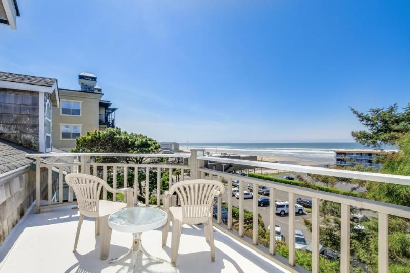 Great views of the ocean and river w/ easy beach access and hot tub - dogs OK! - Image 1 - Lincoln City - rentals