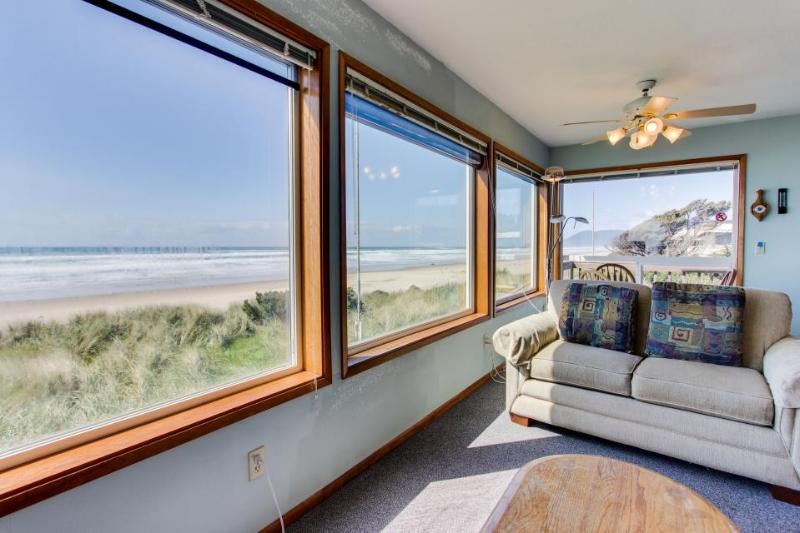 Oceanfront, dog-friendly home perfect for a family beach trip! - Image 1 - Rockaway Beach - rentals