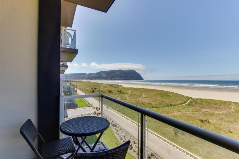 Oceanfront condo with gorgeous beach views, shared pool! - Image 1 - Seaside - rentals