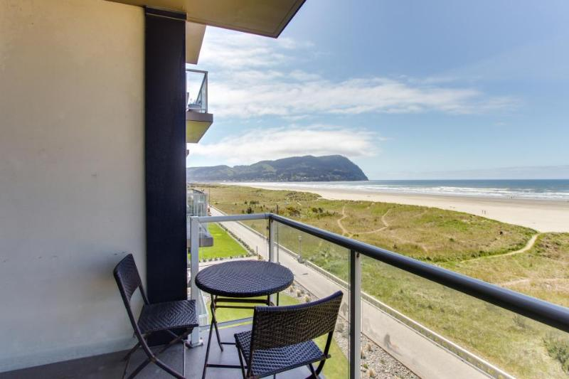 Elegant oceanfront home w/ shared pool and gorgeous sea and mountain views - Image 1 - Seaside - rentals