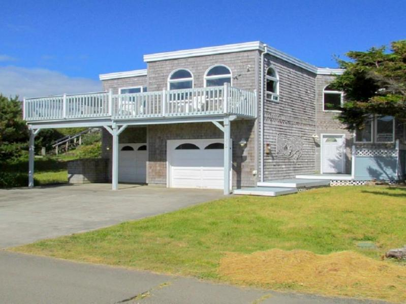 Oceanfront home with balcony, wood stove, and spectacular sea views! - Image 1 - Rockaway Beach - rentals