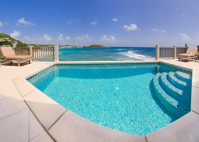 Infinity style pool - Gianna: 2 bedroom villa on Dawn Beach| Island Properties - Saint Martin-Sint Maarten - rentals