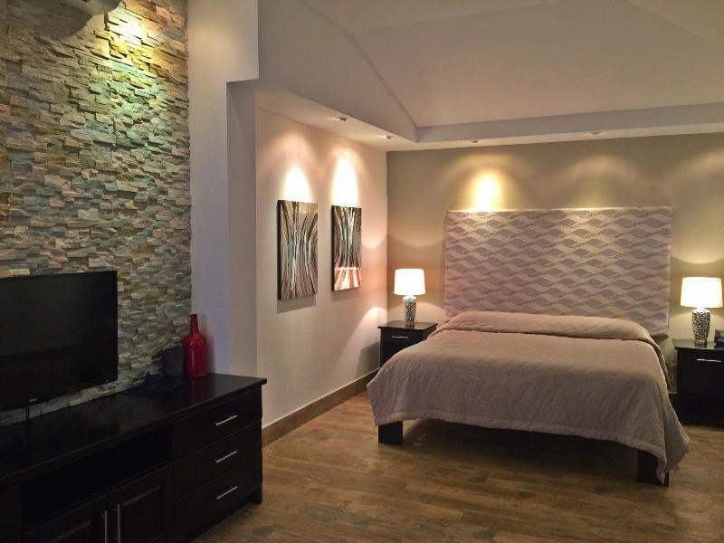 View of King Size Bed! Sweet Dreams in Paradise! - Casa Chameleon:Tamarindo Beach  Studio w/ Pool - Tamarindo - rentals