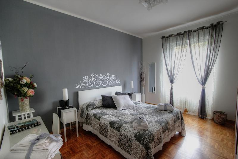 BEDROOM 1 - IL SOFFIO : YOUR PERFECT STAY IN ROME - Rome - rentals