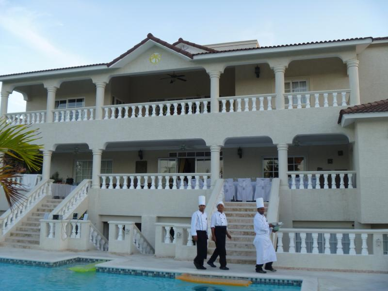 All Size Villas Available 3-7 bedroom (this is a 6 bedroom) - 3BR Villa, All Inclusive, Gold Band, No Resort Fee - Puerto Plata - rentals