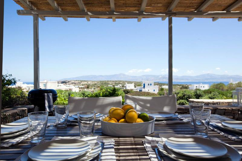 Shaded terrace - Villa Daphne - Relax next to the best Paros beach - Naoussa - rentals