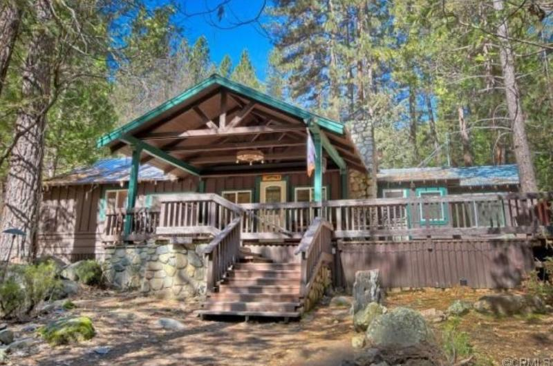 The Little Creek Cabin - Yosemite's Little Creek Cabin, wifi, pet friendly - Wawona - rentals