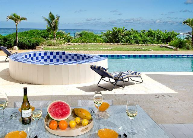 Relaxing pool area - Impressive NEW 5 bedroom villa on the beach | Island Properties - Saint Martin-Sint Maarten - rentals