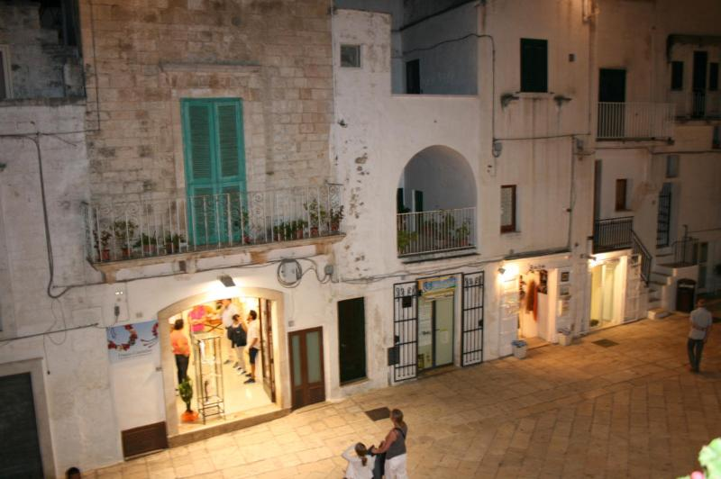 Casa Piazza Emanuele - Image 1 - Cisternino - rentals