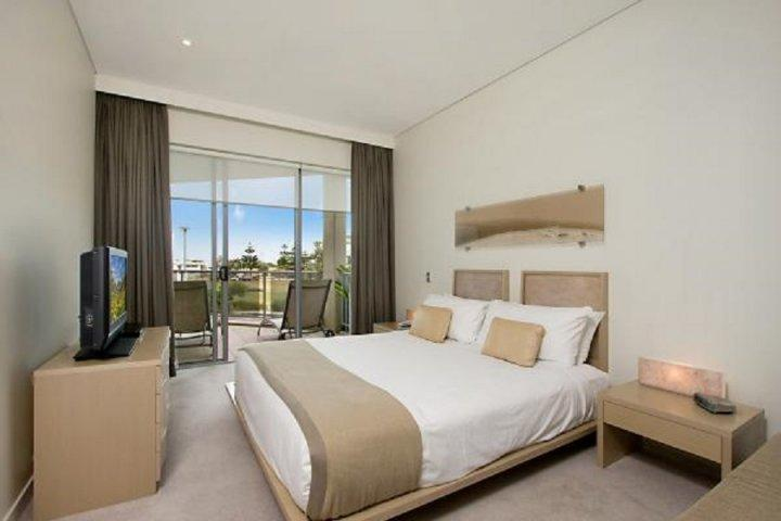 BAL1106 TWO BEDROOM DELUXE SUITE - Image 1 - Kingscliff - rentals