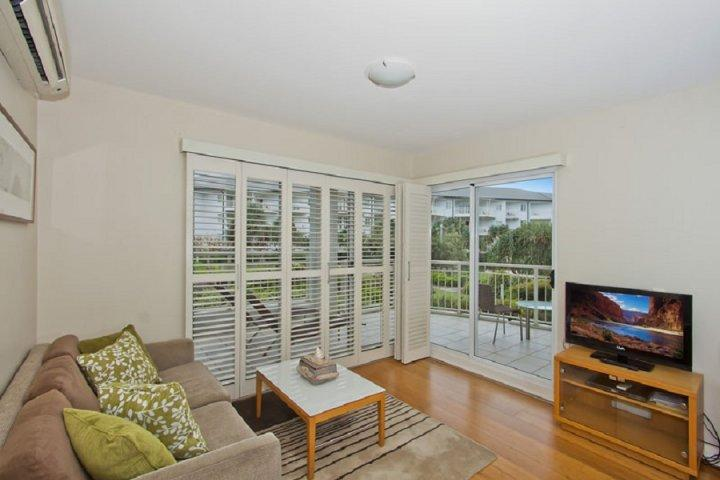 MAN6116 TWO BEDROOM SPA SUITE - Image 1 - Kingscliff - rentals