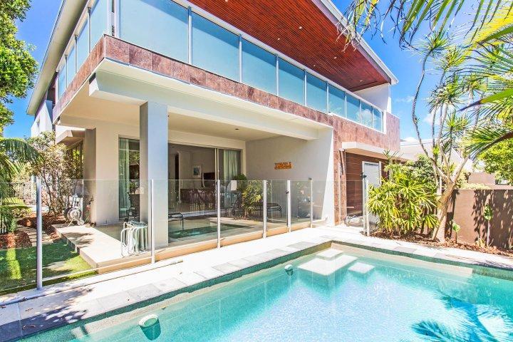 MALIBU18 BEACH HOUSE - Image 1 - Kingscliff - rentals