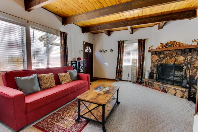 Well-located rustic mountainside home w/private hot tub, two stone fireplaces! - Image 1 - Big Bear City - rentals