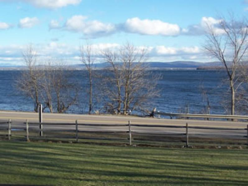 Dog-friendly home on 200 acres w/private beach on the shores of Lake Champlain! - Image 1 - North Hero - rentals
