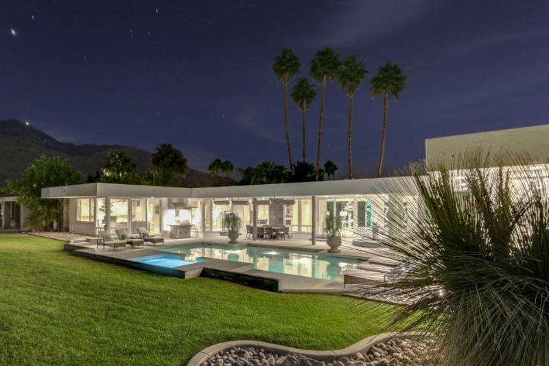 Exquisite home w/ pool, private hot tub, & game room, right on golf course - Image 1 - Palm Springs - rentals