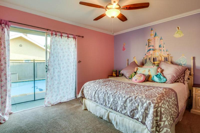 Large house close to Disneyland, private pool/hot tub, family-friendly! - Image 1 - Anaheim - rentals