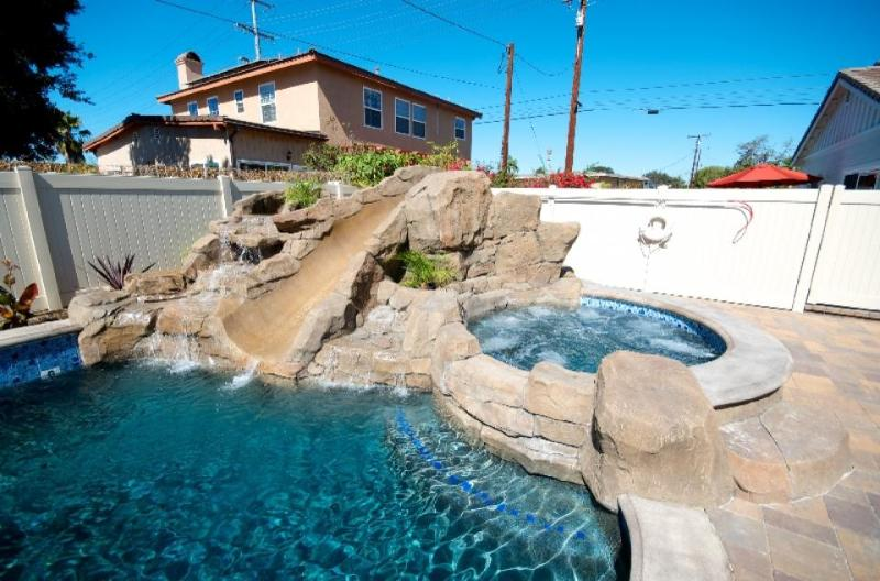 A shared pool, hot tub & splash pad, close to Disneyland! - Image 1 - Anaheim - rentals