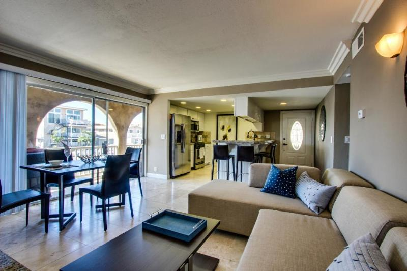 Stylish, modern duplex just one block from the beach & close to everything! - Image 1 - Newport Beach - rentals