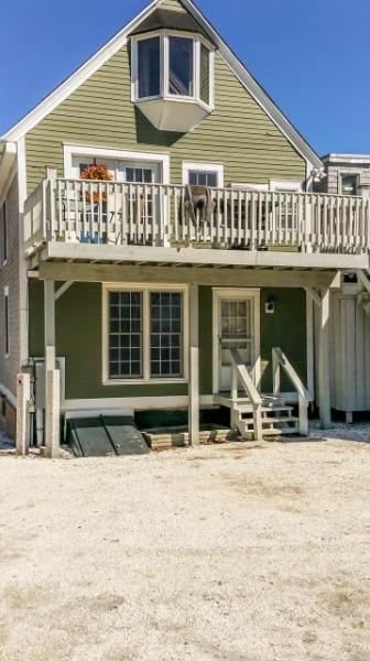 Cozy, historic home w/water views just a short distance to Mayo Beach - Image 1 - Wellfleet - rentals