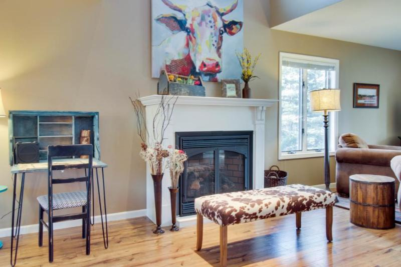 Western-chic, dog-friendly condo near golf & hot springs! - Image 1 - Pagosa Springs - rentals