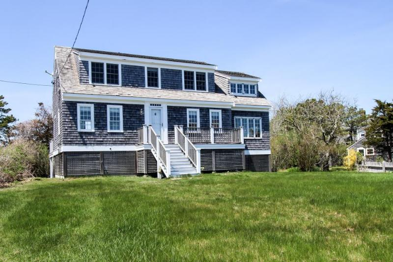 Charming Cape Cod home with ocean views and beach access! - Image 1 - Chatham - rentals