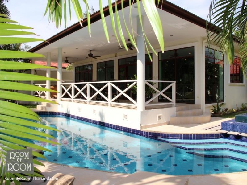 Villas for rent in Hua Hin: V6188 - Image 1 - Hua Hin - rentals