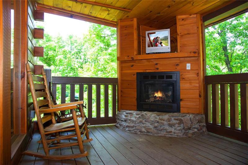 Bear Cub Lodge - Image 1 - Gatlinburg - rentals