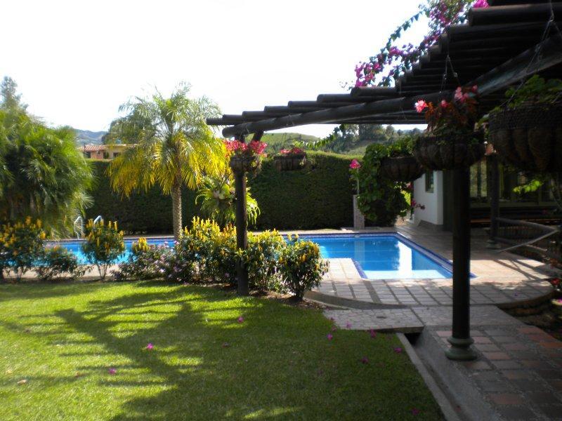 Finca Espectacular en El Peñol 0186 - Image 1 - Guatape - rentals