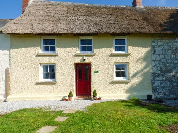 JESSICA COTTAGE, thatched cottage, Grade II listed, exposed beams, near Carnon Downs, Ref 917147 - Image 1 - Carnon Downs - rentals