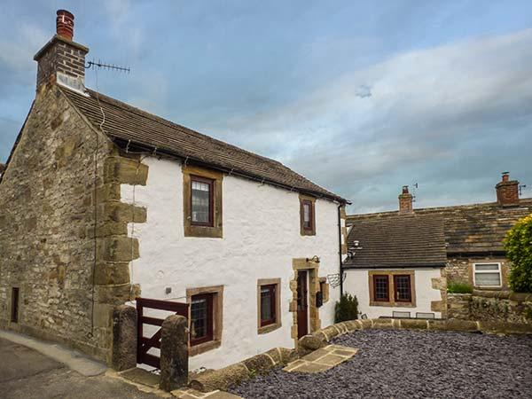 HOPE COTTAGE, woodburner, WiFi, pet-friendly, patio, in Youlgreave, Ref 920883 - Image 1 - Youlgreave - rentals
