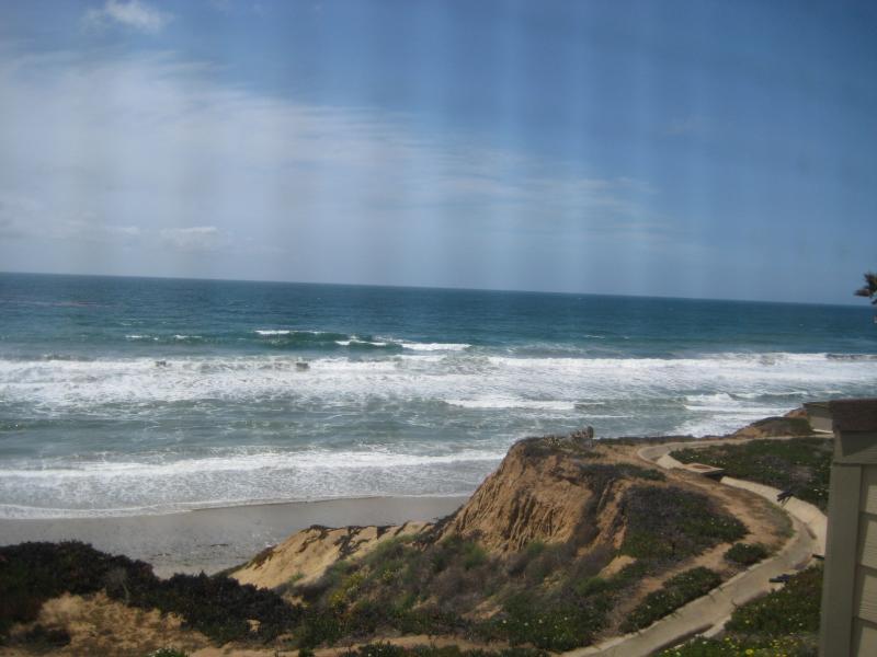 ..Ocean Front Condo with Spectacular Views - Image 1 - Encinitas - rentals