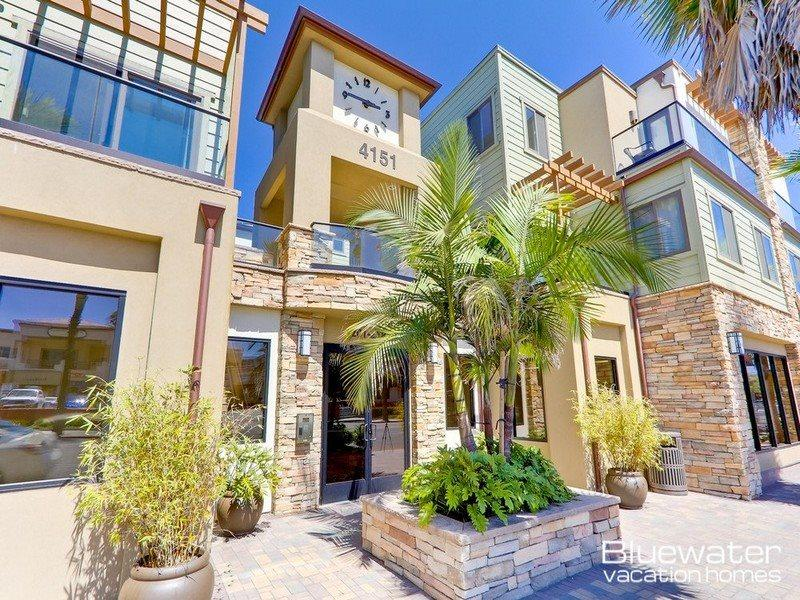 Pacific Blue Three - Vacation Rental on Border of Pacific and Mission Beach - Image 1 - La Jolla - rentals