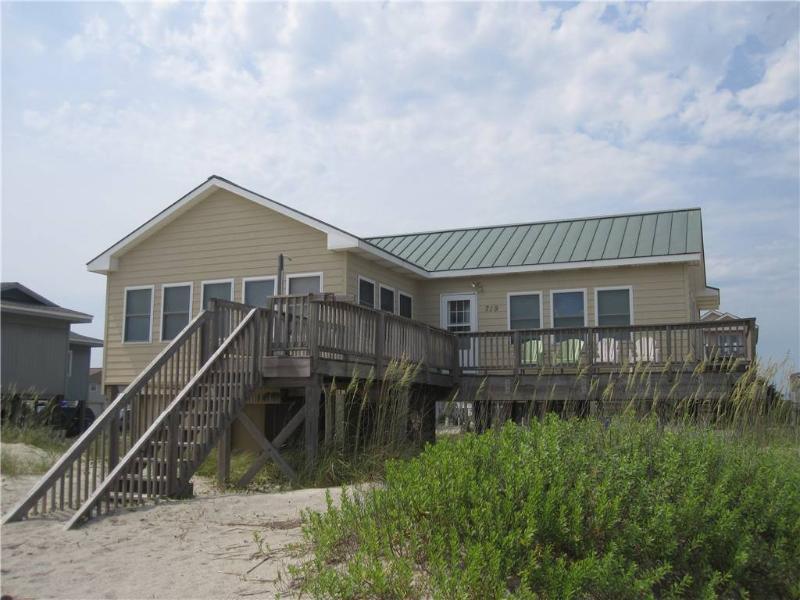 Ye Olde Salt and Pepper  719 West Beach Dr - Image 1 - Oak Island - rentals