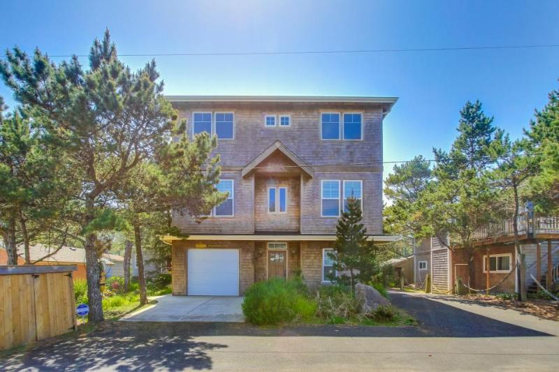 Dog-friendly home w/ ocean views, private hot tub, & patio! - Image 1 - Neskowin - rentals