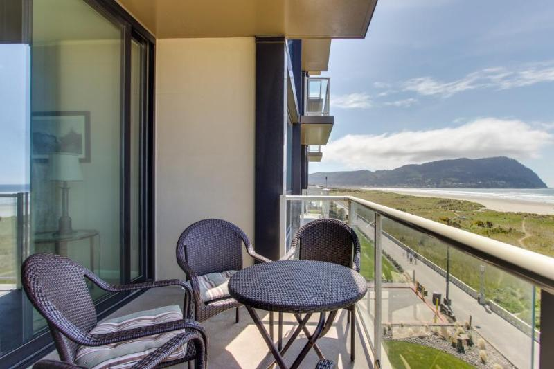 Elegant oceanfront condo w/shared pool & sauna! Just steps to the beach! - Image 1 - Seaside - rentals