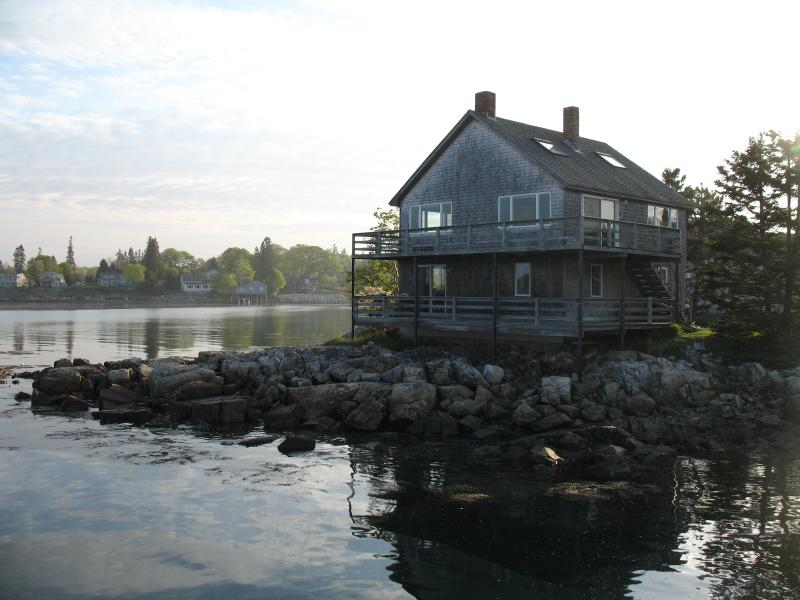 Little Island House, Upstairs and Downstairs apts., each sleeps 2. - Little Island House: Two-apts., rent one or both - Bass Harbor - rentals