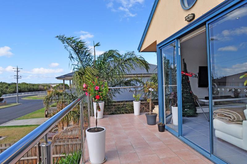SUMMERHILL TOWNHOUSE - Image 1 - Inverloch - rentals