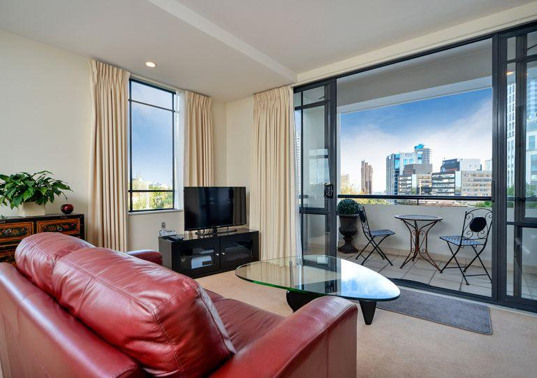 Spacious sunny corner apartment - The Connaught, Auckland, New Zealand 1 Bedroom Serviced Apartment Accommodation - Albany - rentals