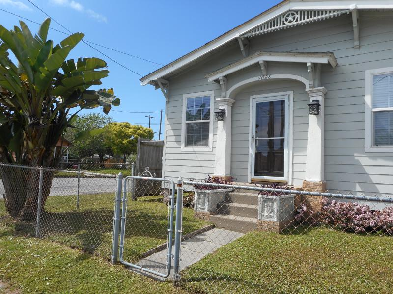 Best Little Beachhouse in Galveston! - Texas Star Beach House - Galveston - rentals