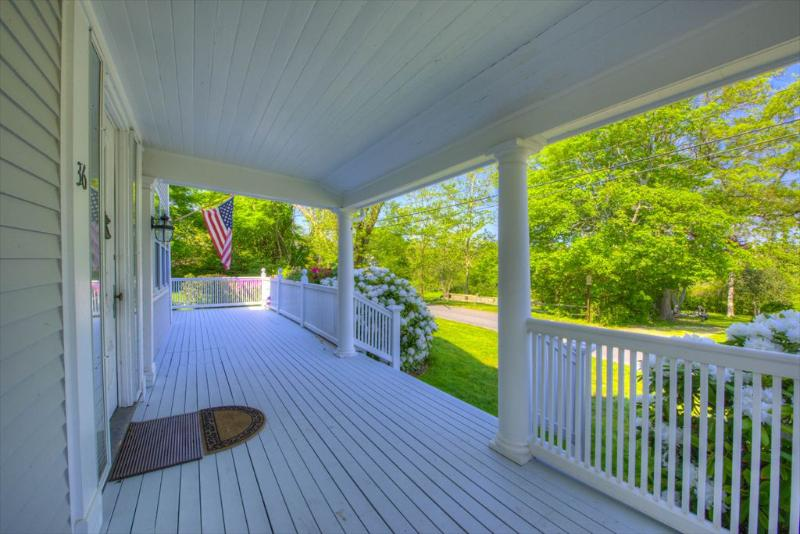 BREATHTAKING PROPERTY ON THE BAYSIDE !! 125349 - Image 1 - Barnstable - rentals