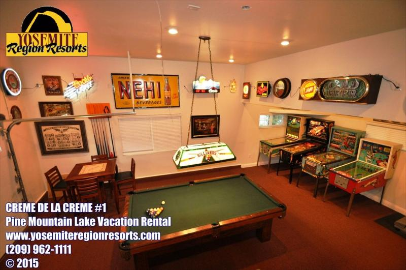 Fabulous gameroom in the garage, Unit 1 Lot 100 Pine Mountain Lake Vacation Rental Creme de la Creme %351 - Awesome GameRm Upscale SmlPetOK WIFI 25m>Yosemite - Groveland - rentals