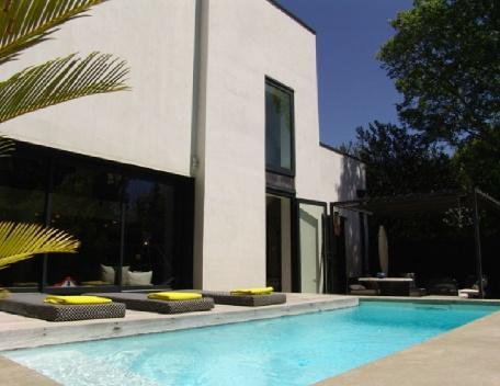 Holiday rental Villas Aix En Provence (Bouches-du-Rhône), 200 m², 4 500 € - Image 1 - Aix-en-Provence - rentals