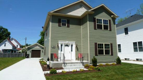 Front of Home - 317 Monroe Street - South Haven - rentals