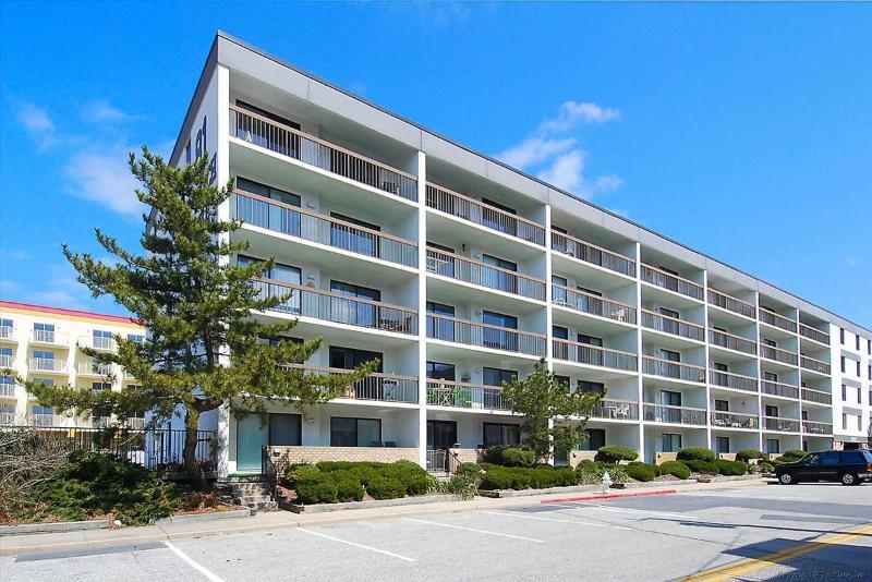 81 Beach Hill 305 - Image 1 - Ocean City - rentals