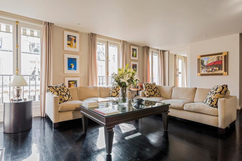 Anjou Palace Vacation Apartment in Paris - Image 1 - Paris - rentals