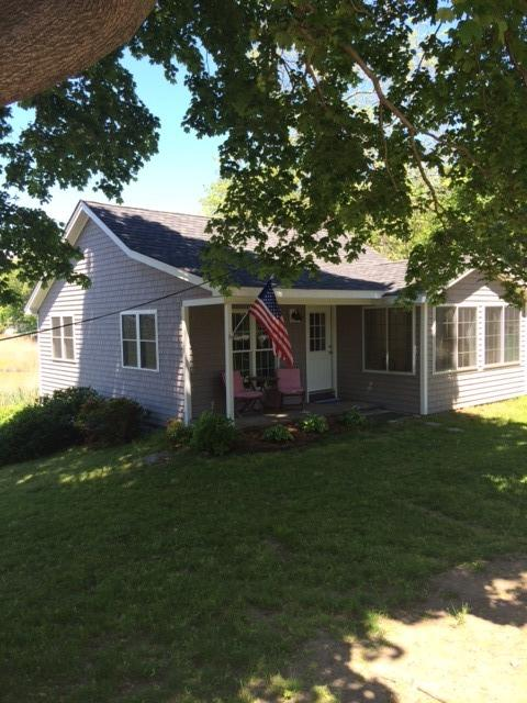 New windows, siding and roof! - Charming Old Saybrook Beach Cottage - Old Saybrook - rentals
