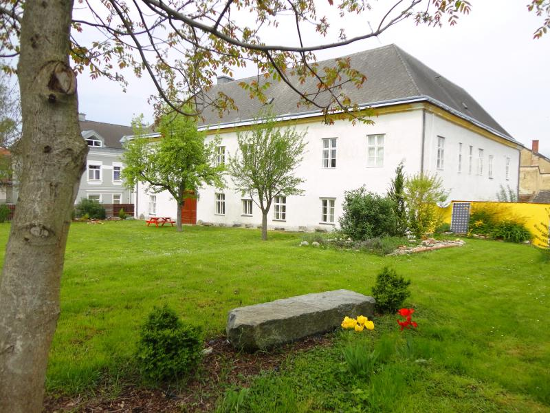 Hohe Schule-Exclusive (4-7 Prs) central in Austria - Image 1 - Loosdorf - rentals