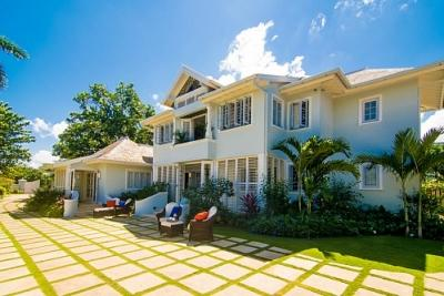 Stunning 9 Bedroom Villa in Discovery Bay - Image 1 - Discovery Bay - rentals