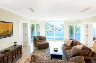 Gorgeous 3 Bedroom Condo in Oyster Bay - Image 1 - Oyster Pond - rentals